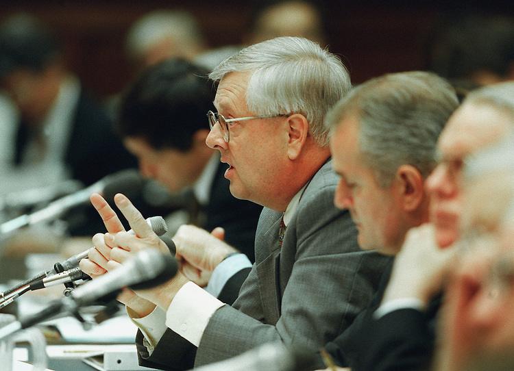 5-13-99.DIPLOMATIC NEGOTIATIONS IN YUGOSLAVIA--Curt Weldon, R-Pa., testifies before the House International Relations Committee on the pending legislation regarding diplomatic initiatives to end the conflict in Yugoslavia..CONGRESSIONAL QUARTERLY PHOTO BY DOUGLAS GRAHAM