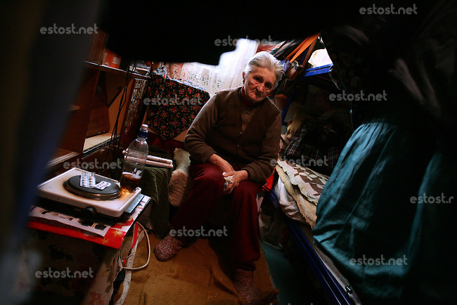 "SERBIA, Belgrade, Jan. 18, 2007..Julka Jaunkovic (73) refugee from Kosovo, Pec, sits in her room in a refugee camp ""Krnjaca"" near Belgrade..© Djordje Jovanovic /EST&OST"