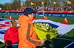 UTRECHT - Voor de wedstrijd werden Eva de Goede en Alyson Anan gehuldigd voor hun FIH onderscheidingen. de Pro League hockeywedstrijd wedstrijd , Nederland-China (6-0) .  COPYRIGHT  KOEN SUYK