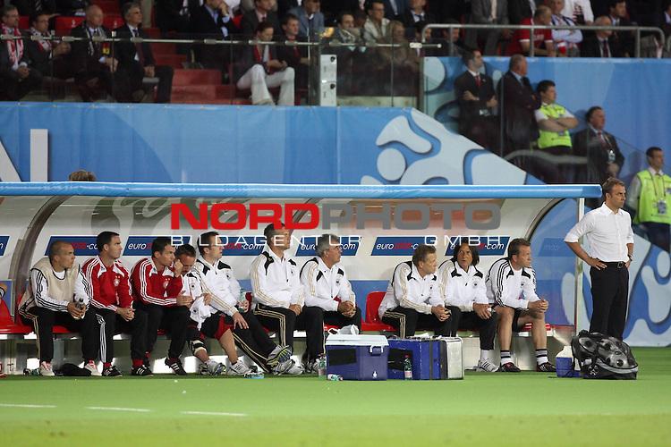 UEFA Euro 2008 Group B Match 20 Wien - Ernst-Happel-Stadion. &Ouml;sterreich ( AUT ) - Deutschland ( GER ) 0:1. <br /> Hans-Dieter Flick ( Germany / Co-Trainer / Coach ) (r) steht vor der Reservebank.<br /> Foto &copy; nph (  nordphoto  )