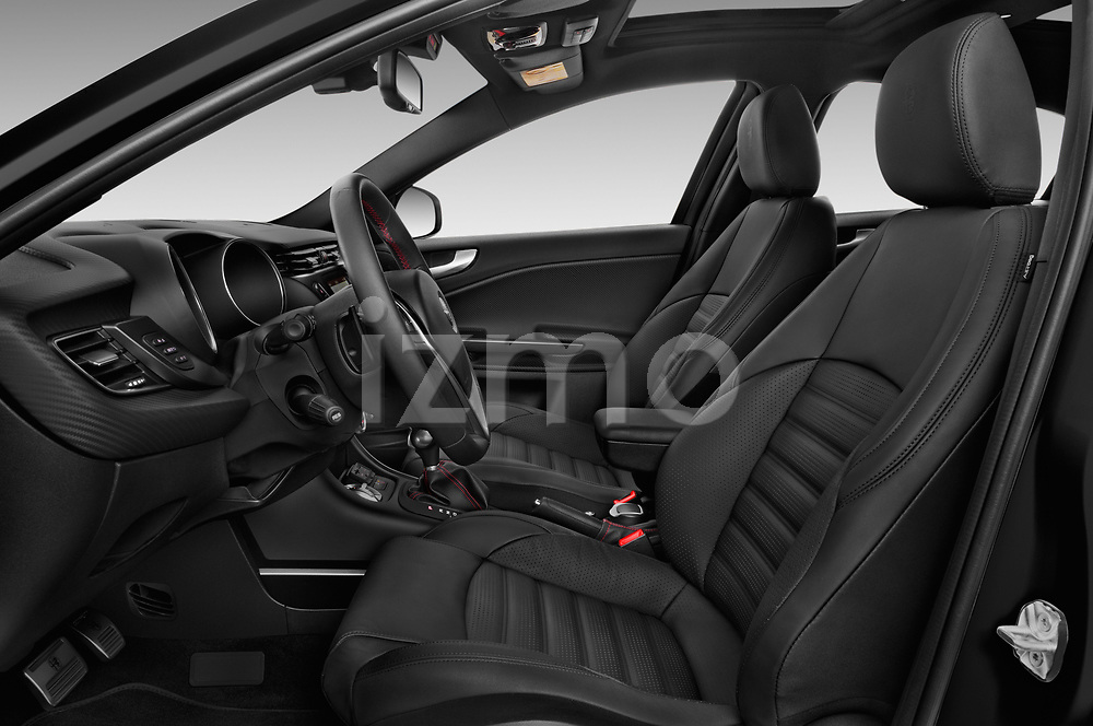 Front seat view of 2016 Alfaromeo Giulietta Super 5 Door Hatchback Front Seat  car photos