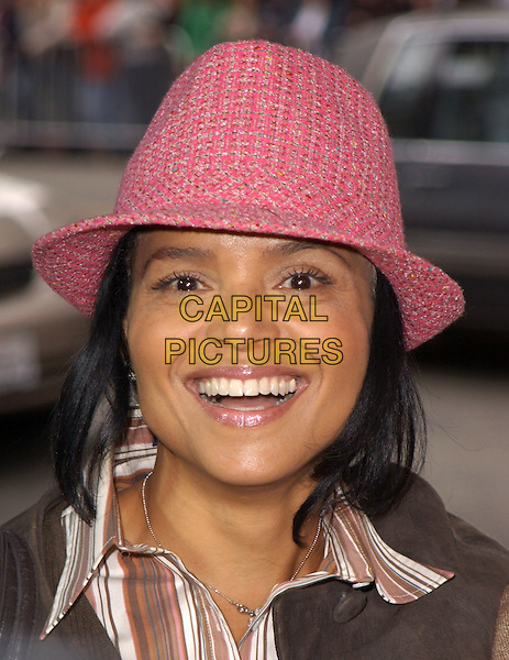 "VICTORIA ROWELL.The Warner Brothers' World Premiere of ""Polar Express"" held at The Graumann's Chinese Theatre in Hollywood, California on .November 7th, 2004.headshot, portrait, pink tweed hat.www.capitalpictures.com.sales@capitalpictures.com.©Debbie Van Story/Capital Pictures"