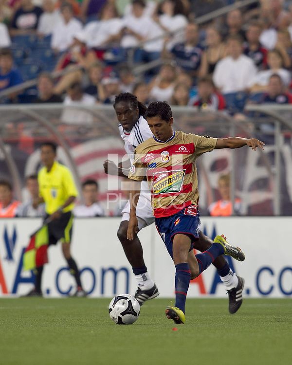 Monarcas Morelia forward Elias Hernandez (77) at midfield. Monarcas Morelia defeated the New England Revolution, 2-1, in the SuperLiga 2010 Final at Gillette Stadium on September 1, 2010.