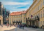Praga, stolica Czech. 2013-07-23. Kompleks zamku królewskiego na Hradczanach.