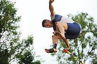 FIERLJEPPEN: GRIJPSKERK: 18-06-2016, Fierljeppen Grijpskerk, winnaar Bart Helmholt 21.07m, ©foto Martin de Jong