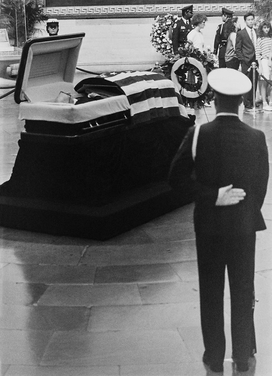 Funeral of Rep. Claude Pepper, D-Fla., in June 1989. (Photo by CQ Roll Call)