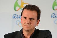 RIO DE JANEIRO, RJ, 13 AGOSTO 2012 - COLETIVA DE APRESENTACAO DA BANDEIRA OLIMPICA - O Prefeito do Rio de Janeiro, Eduardo Paes, na coletiva de imprensa para apresentacao da bandeira olimpica que chegou ao rio de Janeiro nesta tarde de segunda, 13 de agosto, no aeroporto internacional, Galeao, na ilha do governador, zona norte do Rio de Janeiro.FOTOMARCELO FONSECA BRAZIL PHOTO PRESS.