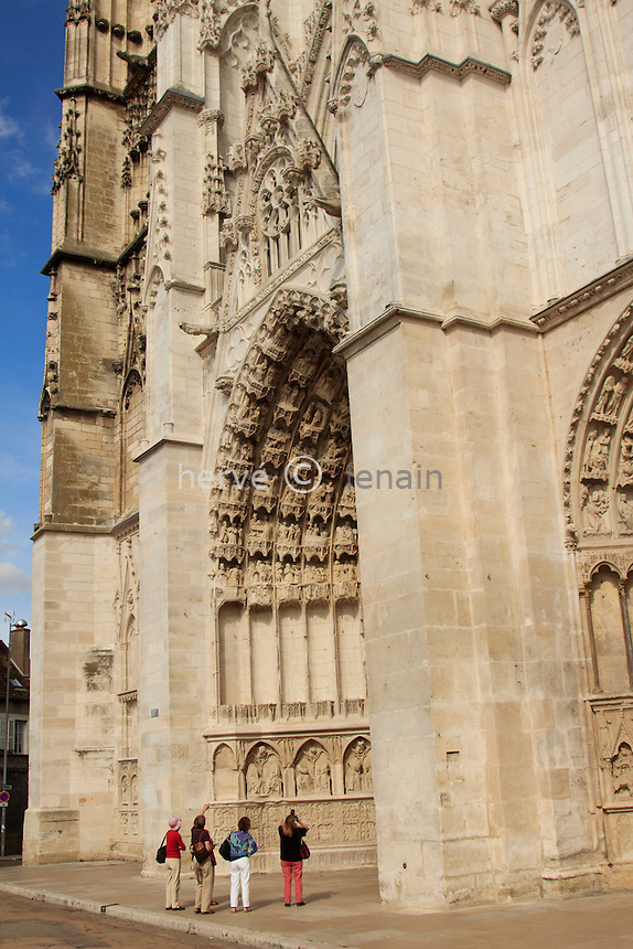 France, Yonne (89), Auxerre, façade de la cathédrale Saint-Etienne // France, Yonne, Auxerre, the Cathedral St Etienne