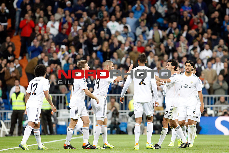 Benzema of Real Madrid scores during La Liga match between Real Madrid and Sevilla at Santiago Bernabeu stadium in Madrid, Spain. October 31, 2013. Foto © nph / Caro Marin)