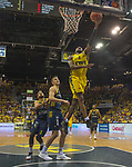 "02.06.2019, EWE Arena, Oldenburg, GER, easy Credit-BBL, Playoffs, HF Spiel 1, EWE Baskets Oldenburg vs ALBA Berlin, im Bild<br /> William""Will"" CUMMINGS (EWE Baskets Oldenburg #3 ) Tim SCHNEIDER (ALBA Berlin #10 )<br /> <br /> Foto © nordphoto / Rojahn"
