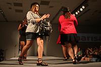 SAO PAULO, SP, 31.01.2015 - FASHION WEEKEND PLUS SIZE / INVERNO 2015 / MARISA - Modelo durante desfile da grife Marisa no Fashion Weekend Plus Size , moda inverno 2015 no Centro de Convenções Frei Caneca na Bela Vista região central de São Paulo, na noite deste sábado, (31). (Foto: Marcos Moraes / Brazil Photo Press).
