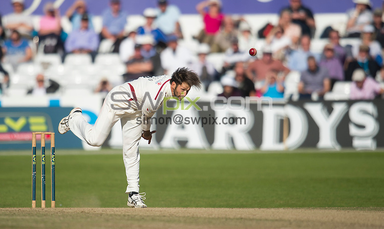 Picture by Allan McKenzie/SWpix.com - 26/09/2014 - Cricket - LV County Championship Div One - Yorkshire County Cricket Club v Somerset County Cricket Club - Headingley Cricket Ground, Leeds, England - Somerset's Peter Trego delivers on his way to 11 wickets in the match.