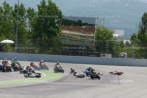 July 4, 2010 - Catalunya, Spain  -  The Moto2 riders start from the grid during the Catalunya Grand Prix, Spain on July 4, 2010. (Photo Andrew Northcott/Nippon News)