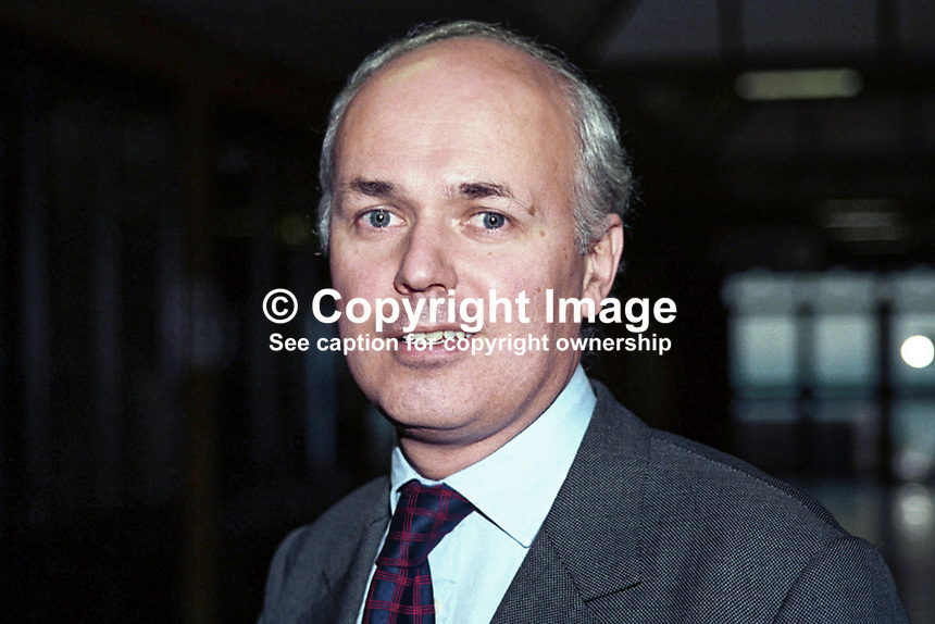 Iain Duncan Smith, Conservative MP, Britain, UK. Ref: 199810258..Copyright Image from Victor Patterson, 54 Dorchester Park, Belfast, UK, BT9 6RJ..Tel: +44 28 9066 1296.Mob: +44 7802 353836.Voicemail +44 20 8816 7153.Skype: victorpattersonbelfast.Email: victorpatterson@mac.com.Email: victorpatterson@ireland.com (back-up)..IMPORTANT: If you wish to use this image or any other of my images please go to www.victorpatterson.com and click on the Terms & Conditions. Then contact me by email or phone with the reference number(s) of the image(s) concerned.