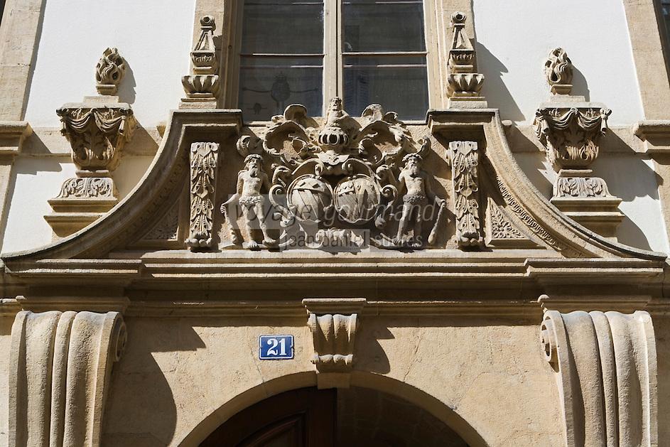 Europe/Suisse/Jura Suisse/ Neuchâtel: Détail facade baroque - Rue des  Moulins
