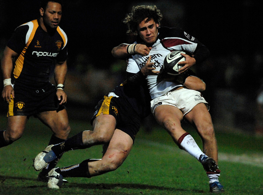 Photo: Richard Lane..Worcester Warriors v Newcastle Falcons. Guinness Premiership. 16/03/2007. .Falcons' Joe Shaw attacks.