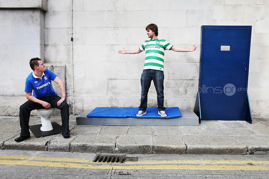 28/9/2010. Singin I'm No A Billy, He's A Tim. Celtic fan Tim and Rangers fan Billy are pictured on Dame street, Dublin rehearsing for their show at the Olympia Theatre award winning, smash hit of this years Edinburgh Festival, Singin' I'm No A Billy He's A Tim'. This Friday for one night only. Celtic mad Tim and Rangers daft Billy find themselves locked up in a cell together outside the Olympia Theatre. What happens when you lock up a Celtic fan with a Rangers fan on the day of an old firm match. FIREWORKS THAT'S WHAT. Tickets EUR30.00 including booking fee on sale now from the following outlets: www.ticketmaster.ie. Picture James Horan/Collins Photos