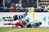 Elliott Stooke of Bath Rugby scores a try in the first half. Aviva Premiership match, between Bath Rugby and Harlequins on November 25, 2017 at the Recreation Ground in Bath, England. Photo by: Patrick Khachfe / Onside Images