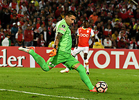 BOGOTA - COLOMBIA – 19 – 04 - 2017: Leandro Castellanos, arquero de Independiente Santa Fe, en acción durante partido entre Independiente Santa Fe de Colombia y Santos de Brasil, de la fase de grupos, grupo 2, fecha 3 por la Copa Conmebol Libertadores Bridgestone 2017, en el estadio Nemesio Camacho El Campin, de la ciudad de Bogota. / Independiente Santa Fe, goalkeeper of Independiente Santa Fe, during a match between Independiente Santa Fe of Colombia and Santos of Brasil, of the group stage, group 2 of the date 3, for the Conmebol Copa Libertadores Bridgestone 2017 at the Nemesio Camacho El Campin in Bogota city. VizzorImage / Luis Ramirez / Staff.