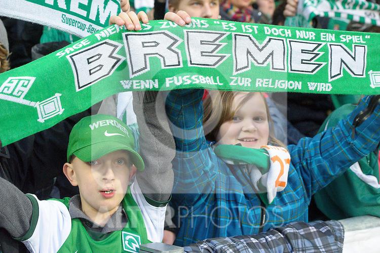 12.03.2011, Weserstadion, Bremen, GER, 1.FBL, Werder Bremen vs Borussia Moenchengladbach, im Bild  Fans sind guter Hoffnung, Heimsieg   Foto © nph / Kokenge