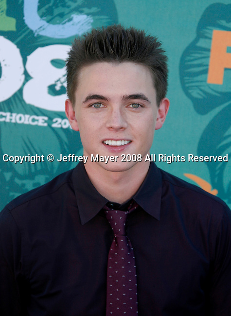 Actor Jesse McCartney arrives at the 2008 Teen Choice Awards at the Gibson Amphitheater on August 3, 2008 in Universal City, California.