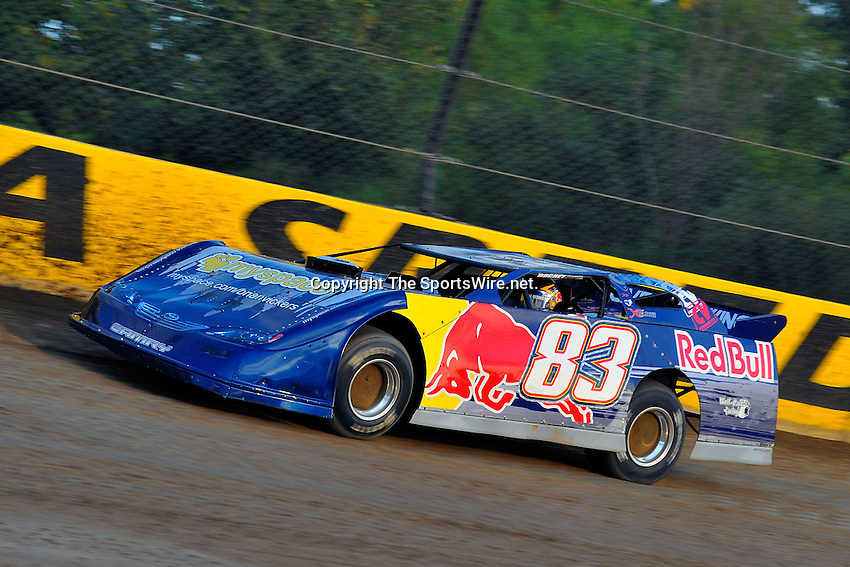 Sep 9, 2009; 6:50:07 PM; Rossburg, OH., USA; The 5th Annual All-star race with NASCAR and other drivers competing in Dirt Late Models of the Prelude to the Dream event running at the Eldora Speedway.  Mandatory Credit: (thesportswire.net)