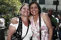 ATENCAO EDITOR: FOTO EMBARGADA PARA VEICULOS INTERNACIONAIS - SÃO PAULO, 01 DE OUTUBRO 2012 - ELEICOES 2012 - SONINHA FRANCINE - A candidata a prefeitura de Sao Paulo pelo PPS faz campanha corpo a corpo na porta da empresa Work de Telemarketing, na tarde dessa segunda, 01, no bairro da Barra Funda, zona oeste da capital -  FOTO LOLA OLIVEIRA-BRAZIL PHOTO PRESS