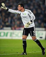 FUSSBALL   1. BUNDESLIGA   SAISON 2011/2012   22. SPIELTAG FC Schalke 04 - VfL Wolfsburg         19.02.2012 Torwart Diego Benaglio (VfL Wolfsburg)