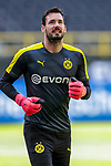 Roman Buerki (Borussia Dortmund, #1); 1. Fussball-Bundesliga; Borussia Dortmund - TSG Hoffenheim am 27.06.2020 im Signal-Iduna-Park in Dormund (Nordrhein-Westfalen). <br /> <br /> FOTO: BEAUTIFUL SPORTS/WUNDERL/POOL/PIX-Sportfotos<br /> <br /> DFL REGULATIONS PROHIBIT ANY USE OF PHOTOGRAPHS AS IMAGE SEQUENCES AND/OR QUASI-VIDEO. <br /> <br /> EDITORIAL USE OLNY.<br /> National and<br /> international NewsAgencies OUT.<br /> <br /> <br /> <br /> Foto © PIX-Sportfotos *** Foto ist honorarpflichtig! *** Auf Anfrage in hoeherer Qualitaet/Aufloesung. Belegexemplar erbeten. Veroeffentlichung ausschliesslich fuer journalistisch-publizistische Zwecke. For editorial use only. DFL regulations prohibit any use of photographs as image sequences and/or quasi-video.