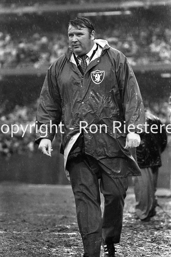 Oakland Raider coach John Madden in the rain..(1974 photo by Ron Riesterer)