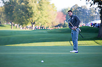 Rory McIlroy (Team Europe) on the 4th green during the Saturday morning Foursomes at the Ryder Cup, Hazeltine national Golf Club, Chaska, Minnesota, USA.  01/10/2016<br /> Picture: Golffile | Fran Caffrey<br /> <br /> <br /> All photo usage must carry mandatory copyright credit (&copy; Golffile | Fran Caffrey)