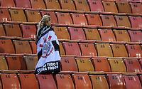 SAO PAULO, SP, 16 MARÇO 2013 - CAMP. PAULISTA - CORINTHIANS X U. BARBARENSE - Torcedor do Corinthians durante partida contra o União Barbarense em partida da 12 rodada no Estadio Paulo Machado de Carvalho, o Pacaembu na noite deste sábado, 16. (FOTO: VANESSA CARCALHO / BRAZIL PHOTO PRESS).