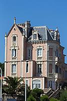 France, Aquitaine, Pyrénées-Atlantiques, Pays Basque, Biarritz: Villa Javalquinto,  abrite l'Office du Tourisme //  France, Pyrenees Atlantiques, Basque Country, Biarritz: Villa Javalquinto,  Tourism office
