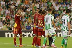 Victor Diaz (L) gives instructions for the barrier duirng the match between Real Betis and Recreativo de Huelva day 10 of the spanish Adelante League 2014-2015 014-2015 played at the Benito Villamarin stadium of Seville. (PHOTO: CARLOS BOUZA / BOUZA PRESS / ALTER PHOTOS)