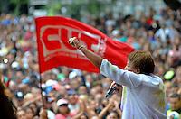 SÃO PAULO, SP, 01.05.2014 – DIA DO TRABALHADOR  CUT/CTB/CSB - Show da cantora Leci Brandão durante Ato para comemorar o Dia Internacional do Trabalhador organizado pela Central Única dos Trabalhadores (CUT), Central dos Trabalhadores do Brasil (CTB) e a Central dos Sindicatos Brasileiros (CSB) no Vale do Anhangabaú, região central de São Paulo. (Foto: Levi Bianco / Brazil Photo Press).