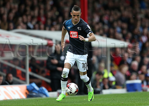 April 14th 2017,  Brent, London, England; Skybet Championship football, Brentford versus Derby County; Tom Ince of Derby County brings the ball forward
