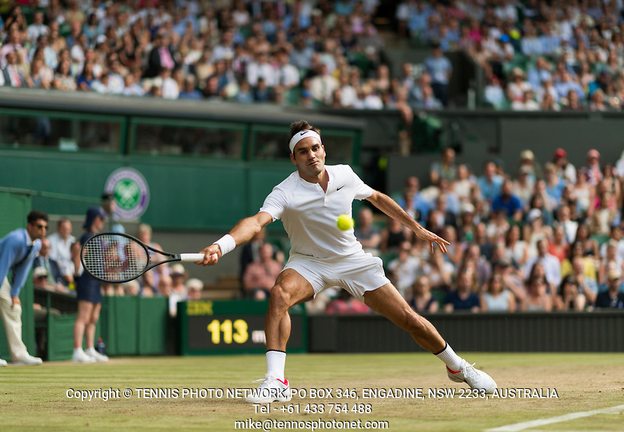 ROGER FEDERER (SUI)<br /> <br /> TENNIS - THE CHAMPIONSHIPS - WIMBLEDON- ALL ENGLAND LAWN TENNIS AND CROQUET CLUB - ATP - WTA -ITF - WIMBLEDON-SW19, LONDON, GREAT  BRITAIN- 2017  <br /> <br /> <br /> &copy; TENNIS PHOTO NETWORK