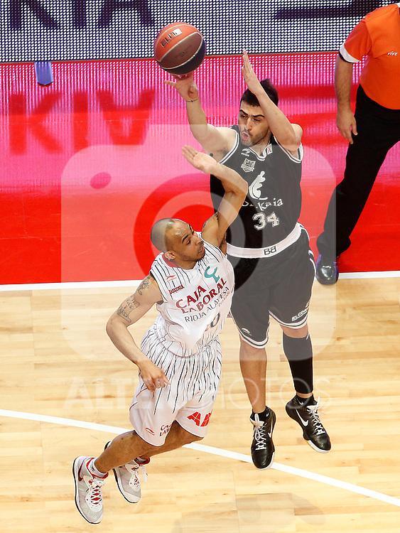 Bizkaia Bilbao Basket's Kostas Vasileiadis (r) and Caja Laboral's David Logan during Spanish Basketball King's Cup match.February 11,2011. (ALTERPHOTOS/Acero)