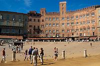 auf dem Platz Il Campo, Siena, Toskana, Italien, Unesco-Weltkulturerbe