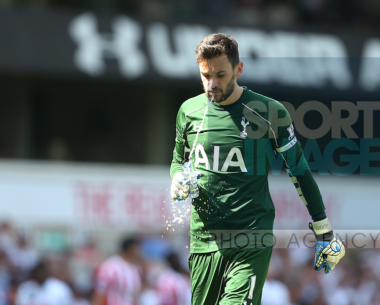 Tottenham's Hugo Lloris looks on dejected after Southampton's second goal during the Barclays Premier League match at the White Hart Lane Stadium.  Photo credit should read: David Klein/Sportimage