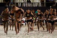 IV Jogos Tradicionais Indígenas do Pará<br /> Corrida de toras Gavião.<br /> <br /> <br /> Quinza etnias participam dos  IX Jogos Indígenas, iniciados neste na íntima sexta feira. Aikewara (de São Domingos do Capim), Araweté (de Altamira), Assurini do Tocantins (de Tucuruí), Assurini do Xingu (de Altamira), Gavião Kiykatejê (de Bom Jesus do Tocantins), Gavião Parkatejê (de Bom Jesus do Tocantins), Guarani (de Jacundá), Kayapó (de Tucumã), Munduruku (de Jacareacanga), Parakanã (de Altamira), Tembé (de Paragominas), Xikrin (de Ourilândia do Norte), Wai Wai (de Oriximiná). Participam ainda as etnias convidadas - Pataxó (da Bahia) e Xerente (do Tocantins). Mais de 3 mil pessoas lotaram as arquibancadas da arena de competição.Praia de Marudá, Marapanim, Pará, Brasil.Foto Paulo Santos08/09/2014