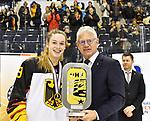 09.01.2020, BLZ Arena, Füssen / Fuessen, GER, IIHF Ice Hockey U18 Women's World Championship DIV I Group A, <br /> Siegerehrung, <br /> im Bild Ehrung Platz 1, Fine Raschke (GER, #19), DEB Praesident Franz Reindl<br /> <br /> Foto © nordphoto / Hafner