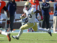Georgia Tech running back Synjyn Days (10) Georgia Tech football competes against Virginia in Charlottesville, VA. Photo/Andrew Shurtleff