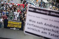 Am Montag den 6. Mai 2013 versammelten sich ca. 100 Menschen in Berlin-Kreuzberg zu einer Kundgebung anlaesslich des Beginns des NSU-Prozess. Sie forderten Aufklaerung ueber die Verstrickung von deutschen Ermittlungsbehoerden in den NSU und die Aufloesung der Geheimdienste.<br />6.5.2013, Berlin<br />Copyright: Christian-Ditsch.de<br />[Inhaltsveraendernde Manipulation des Fotos nur nach ausdruecklicher Genehmigung des Fotografen. Vereinbarungen ueber Abtretung von Persoenlichkeitsrechten/Model Release der abgebildeten Person/Personen liegen nicht vor. NO MODEL RELEASE! Don't publish without copyright Christian-Ditsch.de, Veroeffentlichung nur mit Fotografennennung, sowie gegen Honorar, MwSt. und Beleg. Konto:, I N G - D i B a, IBAN DE58500105175400192269, BIC INGDDEFFXXX, Kontakt: post@christian-ditsch.de<br />Urhebervermerk wird gemaess Paragraph 13 UHG verlangt.]