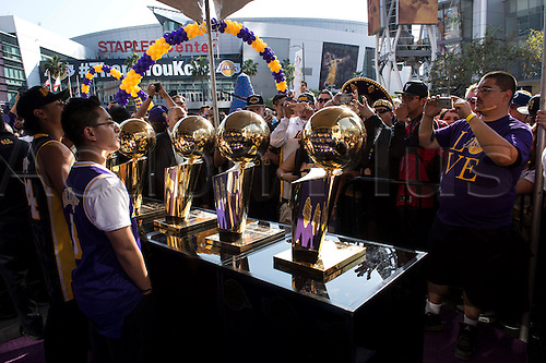 13.04.2016. Los Angeles, California, USA. Kobe fans take photos during Fanfest outside Staples Center on Wednesday in Los Angeles on April 13, 2016. This was Kobe Bryant's final game.