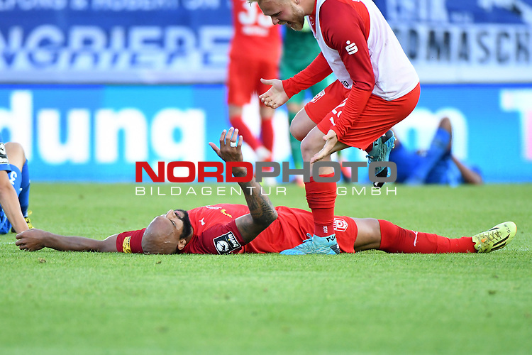 12.06.2020, Hänsch-Arena, Meppen, GER, 3.FBL, SV Meppen vs. Hallescher FC, <br /> <br /> im Bild<br /> Terrence Boyd (Hallescher FC, 13) liegt erschöpft am Boden.<br /> <br /> <br /> DFL REGULATIONS PROHIBIT ANY USE OF PHOTOGRAPHS AS IMAGE SEQUENCES AND/OR QUASI-VIDEO<br /> <br /> Foto © nordphoto / Paetzel
