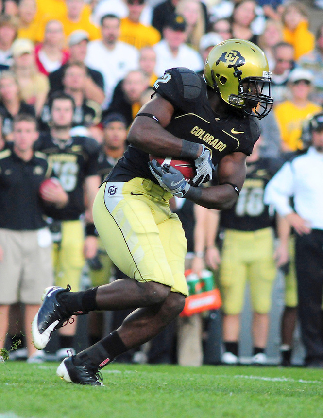18 October 08: Colorado running back Darrell Scott rushes against Kansas State. The Colorado Buffaloes defeated the Kansas State Wildcats 14-13 at Folsom Field in Boulder, Colorado.