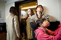 Amsterdam, 21 november 2011 International Documentary Filmfestival Amsterdam. Dubbelinterview Seung-Jun Yi en Nalia Giovanoli in City Center Hotel lobby. Vlnr: Nalia Giovanoli, Seung-Jun Yi en zijn dochter. Photo by Corinne de Korver