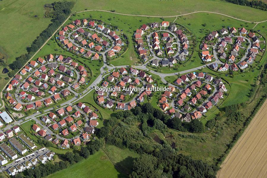 Wohngebiet in Lübeck: EUROPA, DEUTSCHLAND, SCHLESWIG- HOLSTEIN, LUEBECK (GERMANY), 23.08.2017: Wohngebiet in Lübeck, Kadetrinne