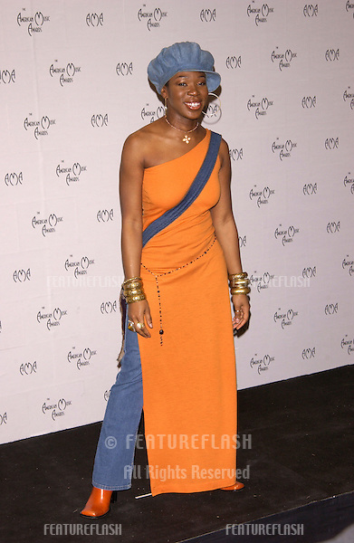 Singer INDIA.ARIE at the American Music Awards in Los Angeles..09JAN2002.   © Paul Smith/Featureflash